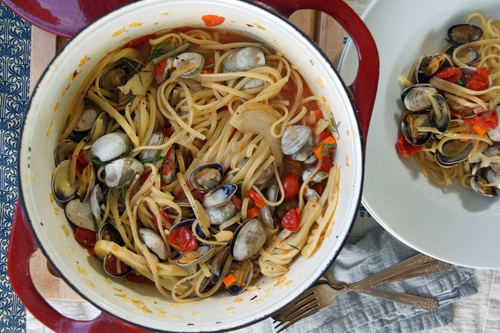 Linguini & Clams with Tomatoes, Fennel & Tarragon