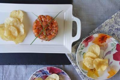 Salmon Tartare with Potato Chips