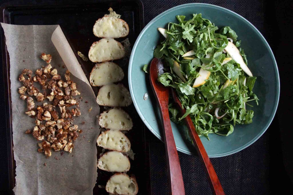 Pear & Arugula Salad with Cheese Croutons